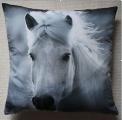 Koňský povlak na polštář - bílý kůň