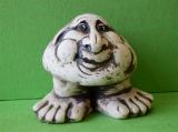 Keramický ozdobný nosatý kámen na nohách