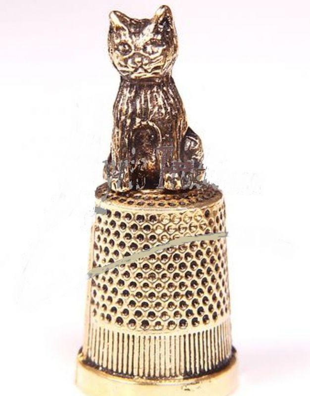 Náprstek s dekorem kočka zlatý