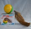 Hračka pro kočky - bláznivá veverka s balónkem