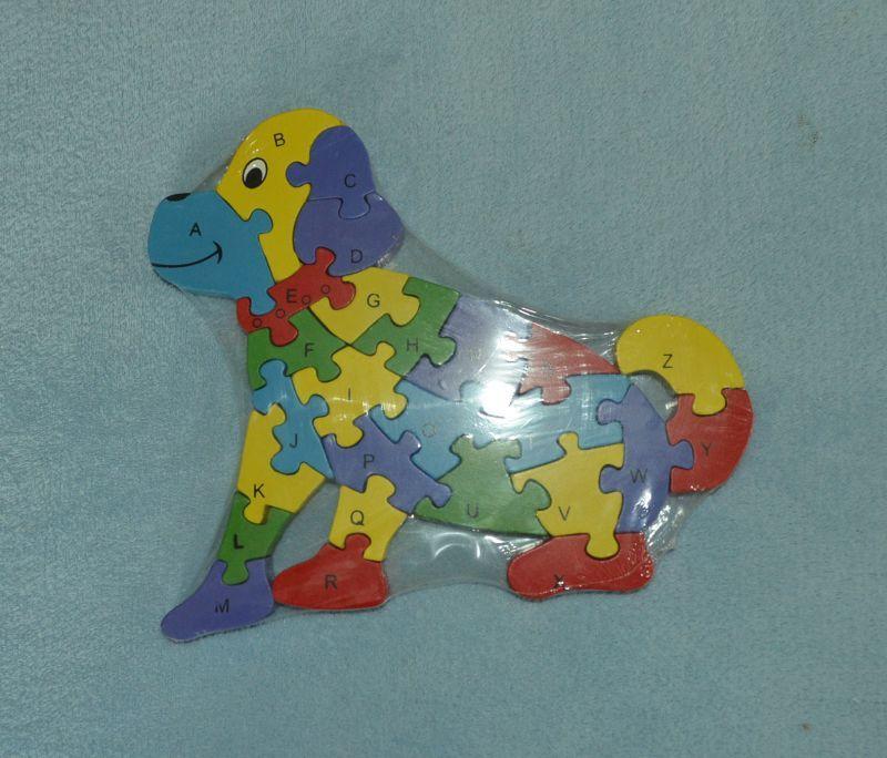 Dřevěná puzzle skládačka pro děti pejsek