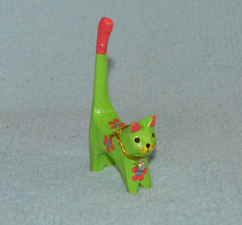 Soška dřevěná kočka malovaná malá