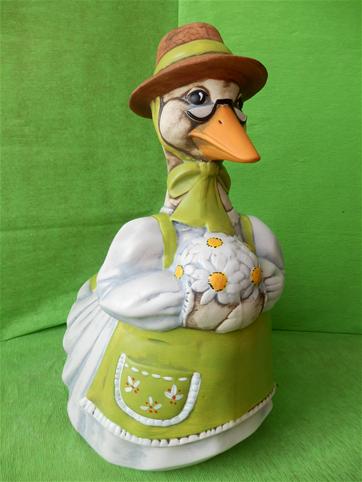 Dóza - kachna v šatech