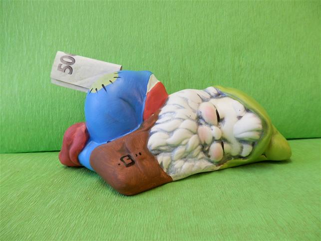 Pokladnička malý spící trpaslík