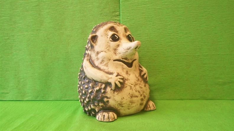 Soška ježka s dlouhým čumáčkem
