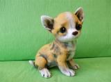 Soška pes - čivava barevná