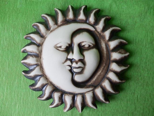 Keramická nástěnná ozdoba půltvář