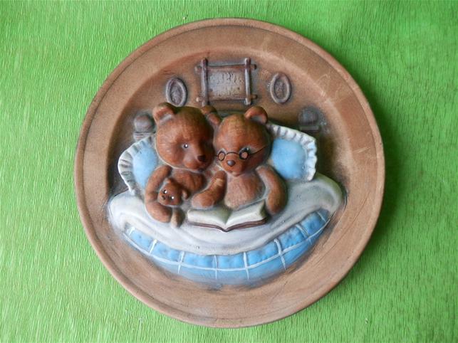 Keramická nástěnná ozdoba talíř s medvědy