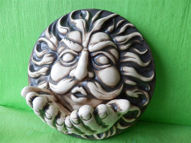 Keramická nástěnná ozdoba větrník