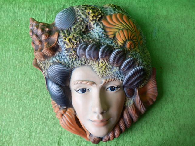 Keramická ozdobná maska mořský útes