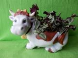 Keramický květináč kráva