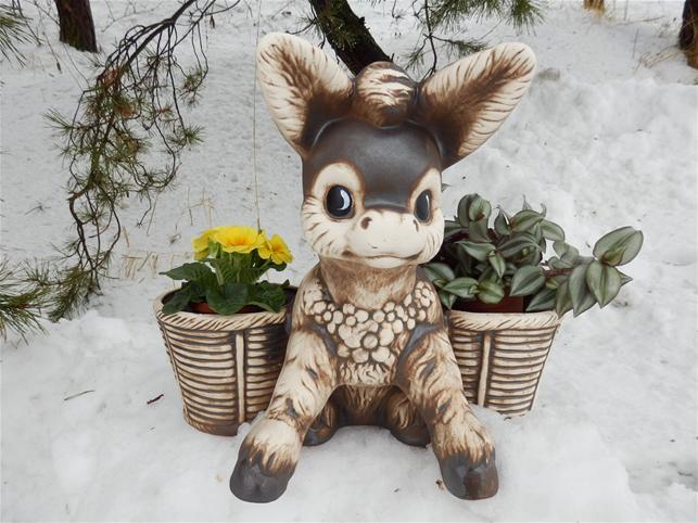 Keramický květináč oslík s košíky