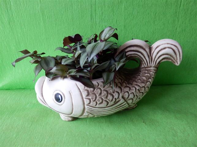 Keramický květináč střední ryba