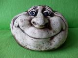 Keramický ozdobný nosatý kámen
