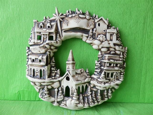 Keramický věnec vánoční město