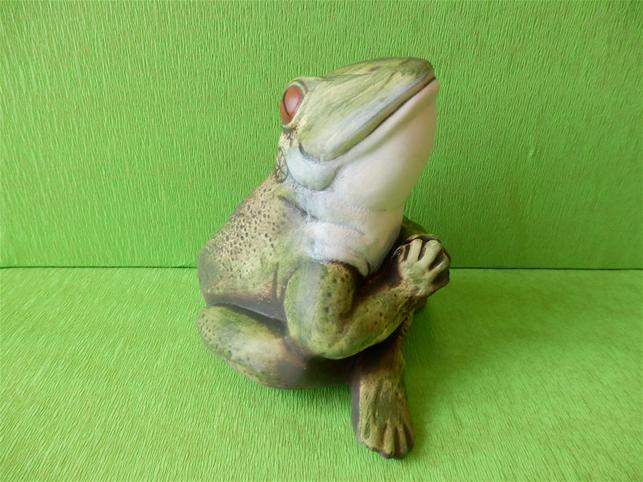 Soška žába jogínka