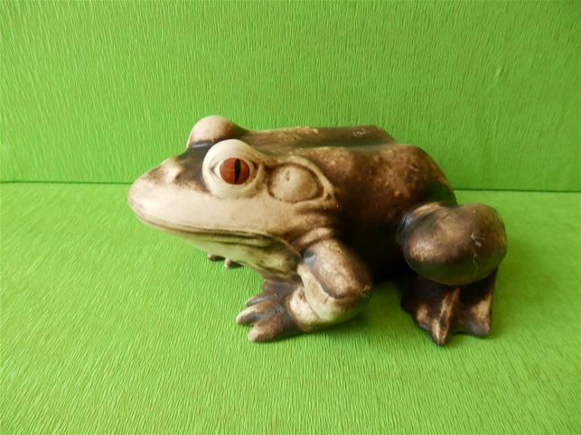 Soška žába ropucha