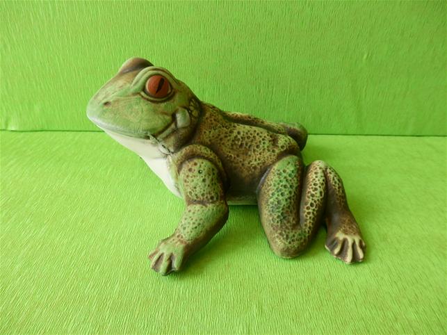 Soška žába skokan