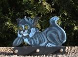 Věšák ležící kočka modrá