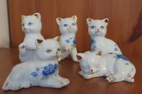 Souprava kočičích porcelánových sošek