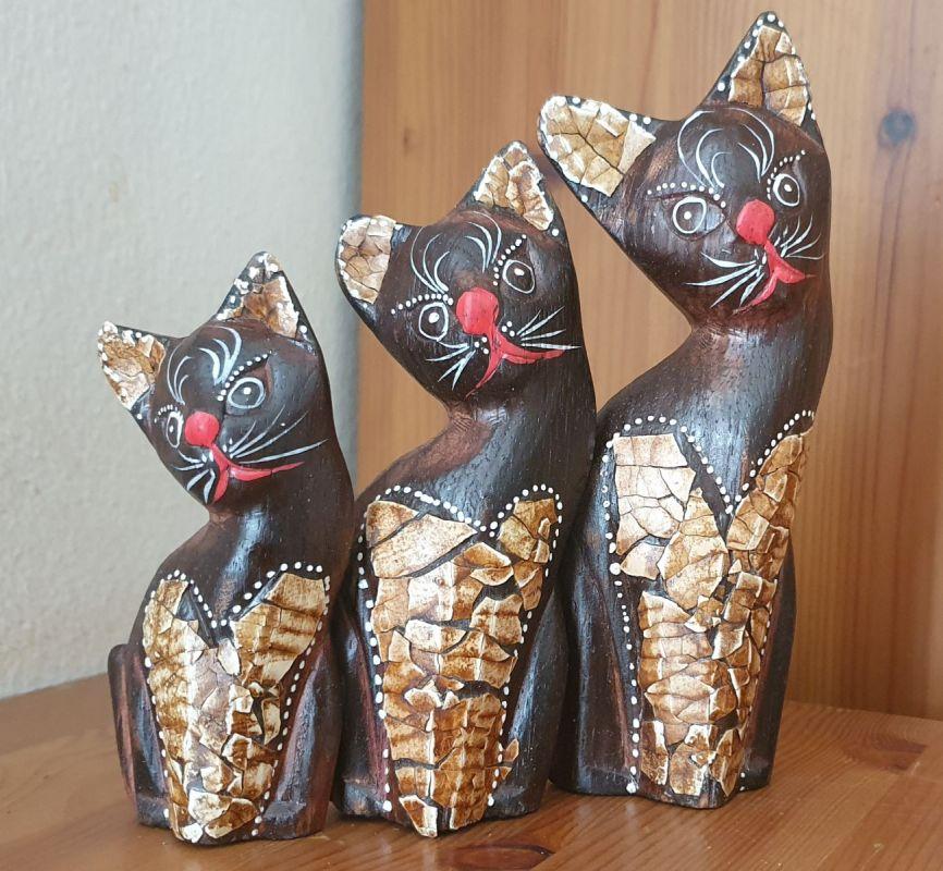 Sada dřevěných kočiček