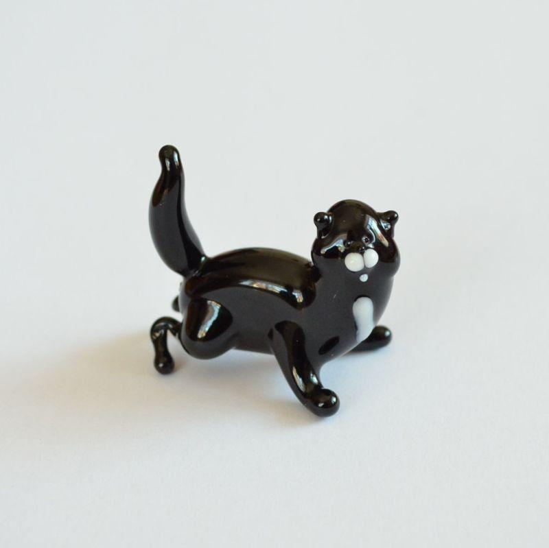 Skleněná soška černá kočka