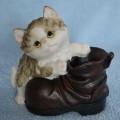Stojánek na tužky / minikvětináč kočka s botou - typ A