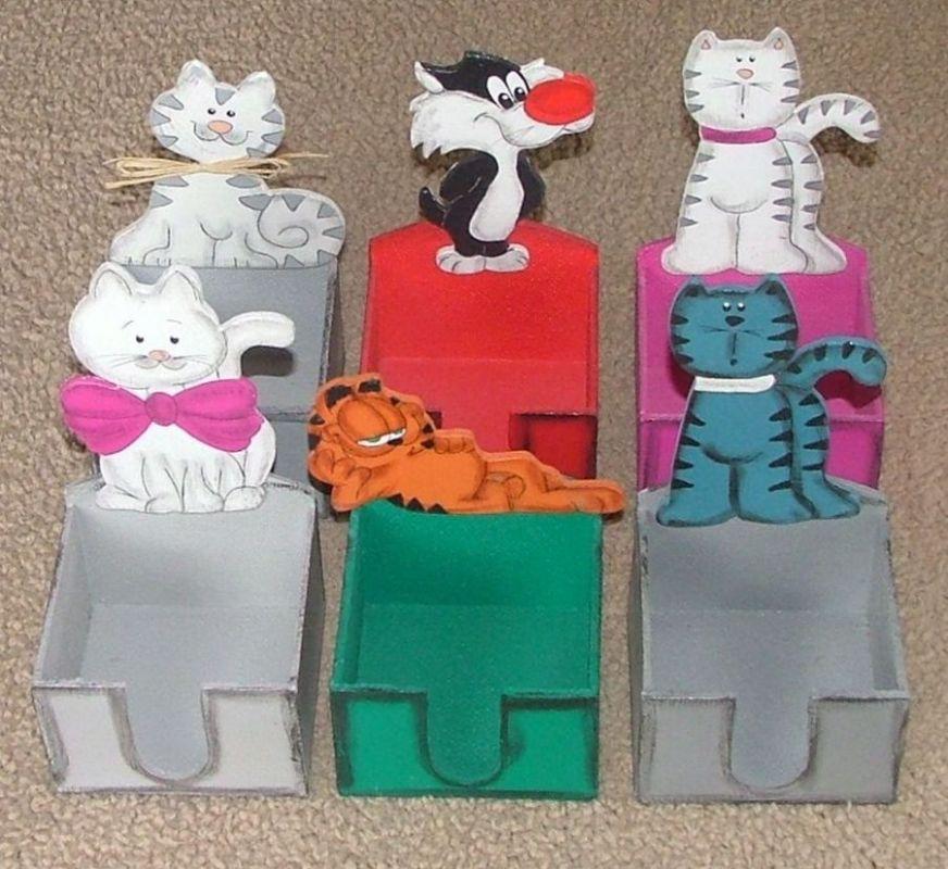 Zásobník na poznámkové papírky kočka