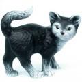 Soška kotě stojící