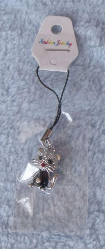 Přívěšek na mobil kočka s diamantem v pupíku
